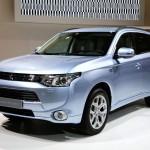 Mitsubishi Outlander PHEV 2013