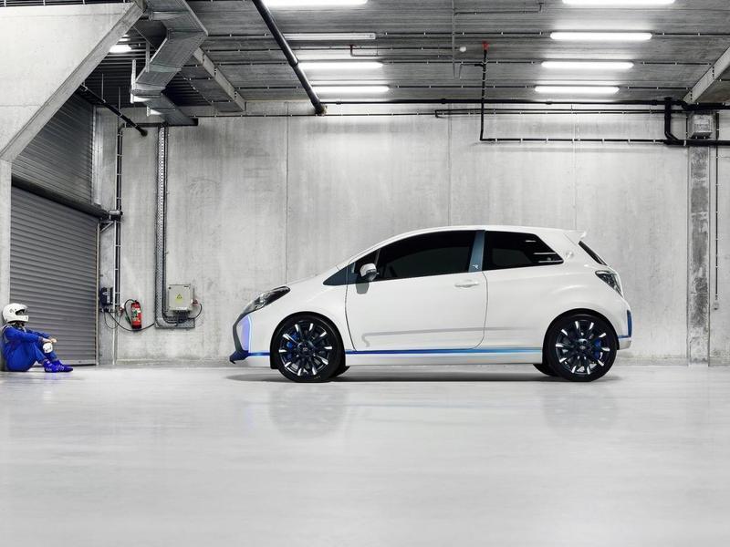 Фото новая Toyota Hybrid-R