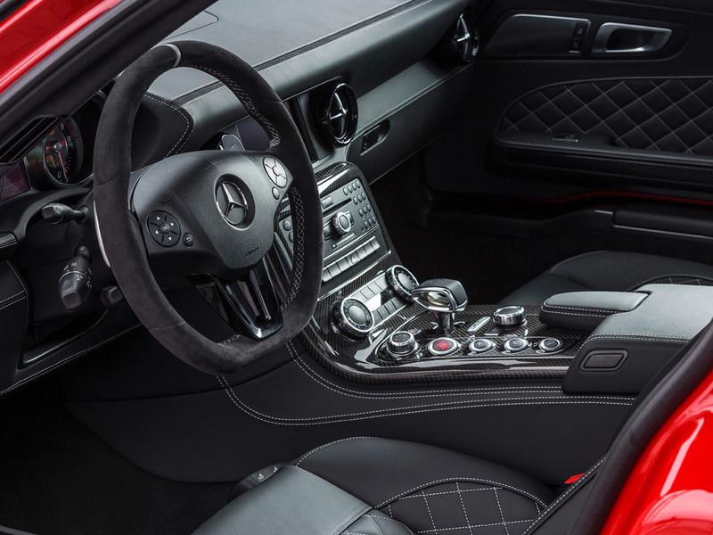 Салон Mercedes SLS фото