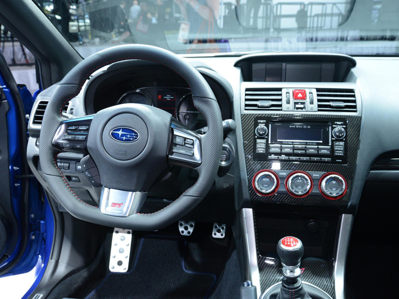 Салон Subaru Impreza WRX STI